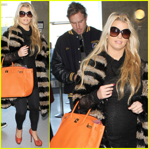 b60270a369 Jessica Simpson Wants to Give Birth Wearing Heels