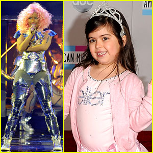 Nicki Minaj: AMAs 2011 with Sophia Grace Brownlee!