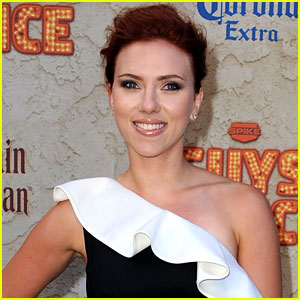 Scarlett Johansson: Christmas Duet with Dean Martin!
