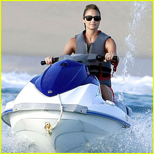 Stacy Keibler: Cabo Cutie with George Clooney!