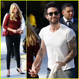 Adam Levine & Anne V: Christmas with the Lakers!
