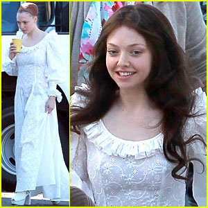 Amanda Seyfried Wigs Out for Photo Shoot