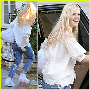 Elle Fanning: Sleepover in Studio City!