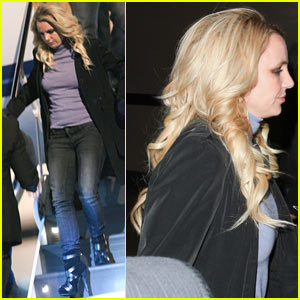 Engaged Britney Spears: Las Vegas Arrival!