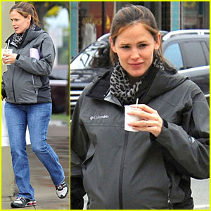 Jennifer Garner: Williams-Sonoma Shopper