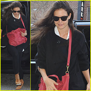 Katie Holmes: Birthday Weekend Errands in NYC!