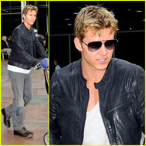 Ryan Kwanten: Home for the Holidays!