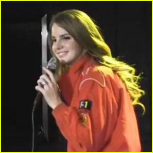 Lana Del Rey: Shooting 'Blue Jeans' Video in Malibu!