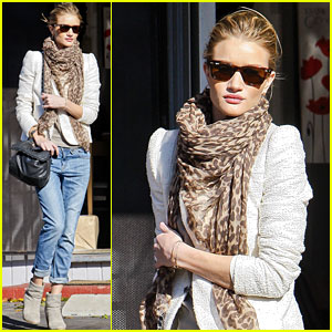 Rosie Huntington-Whiteley Grabs Holiday Cards