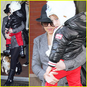 Christina Aguilera & Max: New York Hotel Exit!