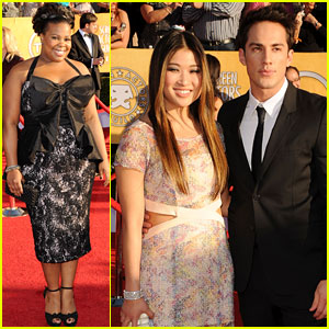 Amber Riley & Jenna Ushkowitz - SAG Awards 2012 Red Carpet