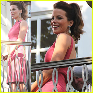 Kate Beckinsale: 'Extra' at The Grove!