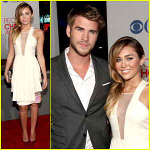 Miley Cyrus &#038; Liam Hemsworth - People's Choice Awards 2012 Red Carpet