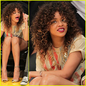 Rihanna: Lakers Lady!