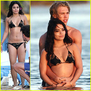 Vanessa Hudgens & Austin Butler Watch the Sunset
