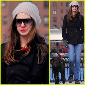 Anne Hathaway: Walk with Esmeralda!