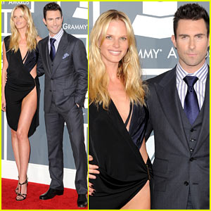 Adam Levine &#038; Anne V - Grammys 2012 Red Carpet
