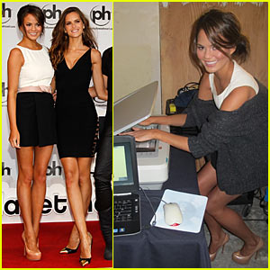 Chrissy Teigen: Handprint Ceremony with Izabel Goulart!