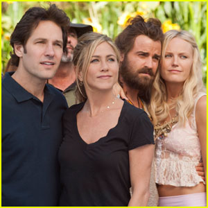 Jennifer Aniston & Paul Rudd: New 'Wanderlust' Poster & Stills!