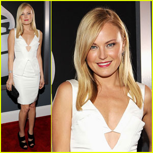 Malin Akerman - Grammys 2012 Red Carpet