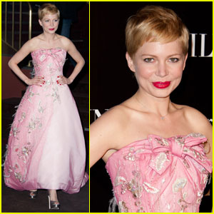 Michelle Williams: 'My Week With Marilyn' Paris Premiere!