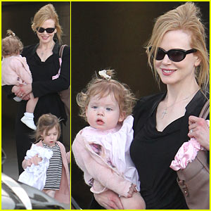 Nicole Kidman & Keith Urban: Family Flight!