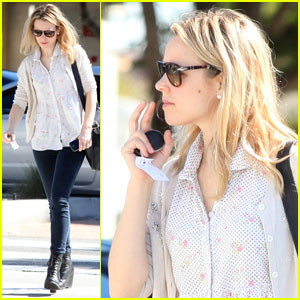 Rachel McAdams: Errands Around Town