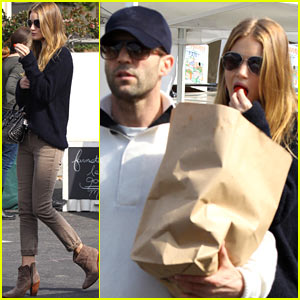 Rosie Huntington-Whiteley: Farmer's Market with Jason Statham!