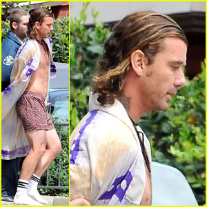 Gavin Rossdale: Shirtless & In Handcuffs for 'Bling Ring'