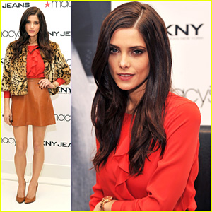Ashley Greene: DKNY Macy's Herald Square Visit!