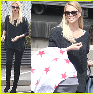Charlize Theron & Baby Jackson: Post Office Run!
