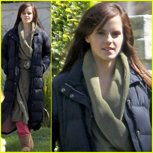 Emma Watson Works on 'Bling Ring'