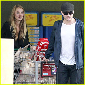 Ryan Phillippe: Grocery Shopping with Paulina Slagter!