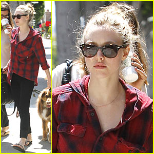Amanda Seyfried & Finn: Doggy Day Out!