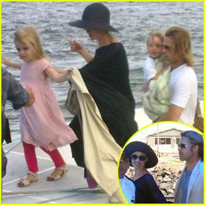 Brad Pitt & Angelina Jolie: Galapagos Boat Ride!