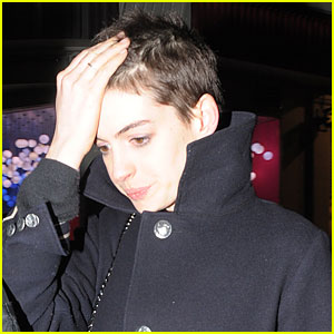 Anne Hathaway Debuts Super Short Hair for 'Les Miserables'