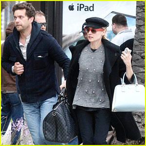 Joshua Jackson & Diane Kruger: Car Trouble!