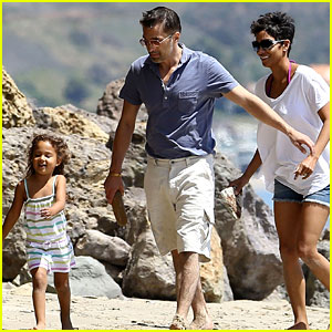Halle Berry & Olivier Martinez: Malibu Beach Time with Nahla!