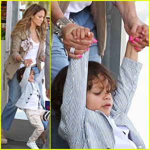 Jennifer Lopez: Saturday Out with Max!