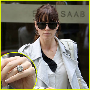 Jessica Biel: Wedding Dress Shopping in Paris?