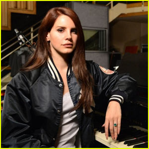 Lana Del Rey Covers Kasabian's 'Goodbye Kiss'