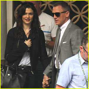 Daniel Craig & Rachel Weisz Hold Hands on Set!