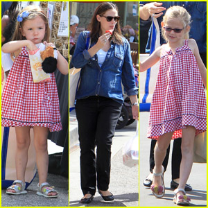 Jennifer Garner: Farmers' Market with the Girls!