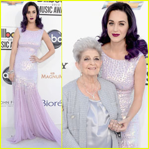 1457cf80e96e4 Katy Perry Latest News