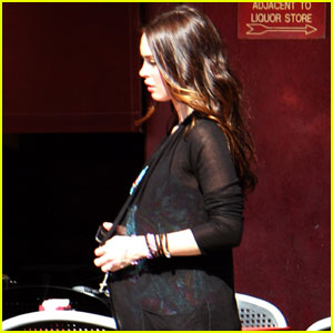 Megan Fox Shows Off Baby Bump?