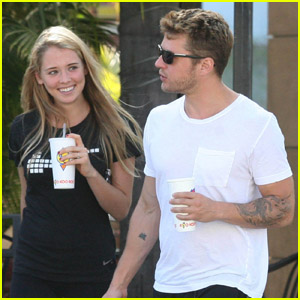 Ryan Phillippe & Paulina Slagter: Koo Koo Roo Couple
