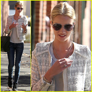 Rosie Huntington-Whiteley Tweets Inspirational Quotes