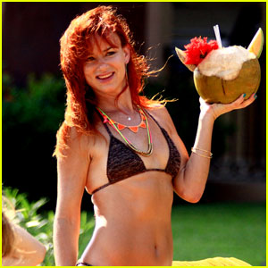 Juliette Lewis: Bikini Birthday in Mexico!