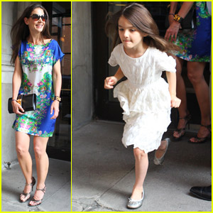 Katie Holmes & Suri: Girls' Night Out!