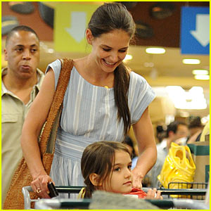 Katie Holmes & Suri: Whole Foods Shoppers!